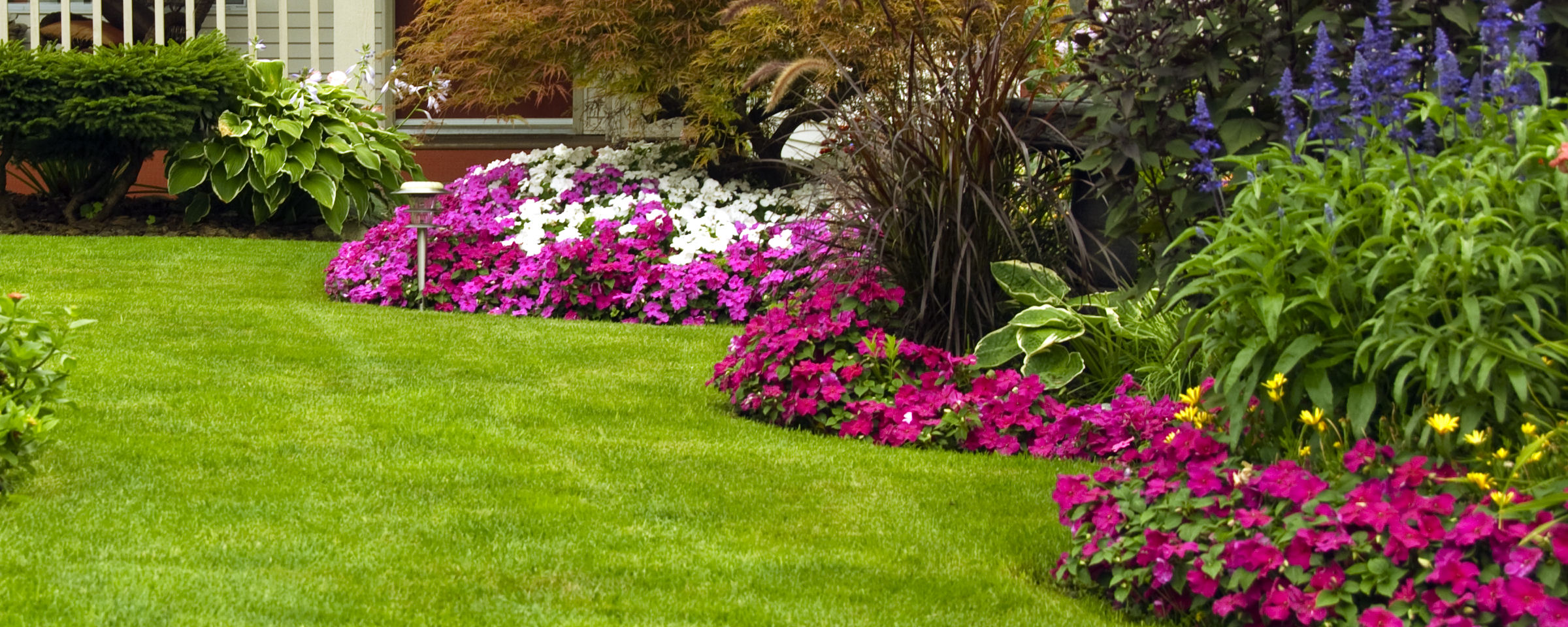 Landscape design and installation classic lawn landscape - Flower and lawn landscaping ideas ...